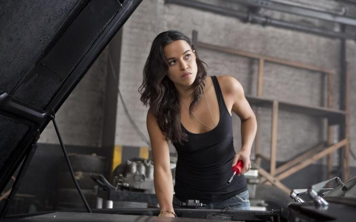 Michelle Rodriguez dọa không đóng fast and furious9